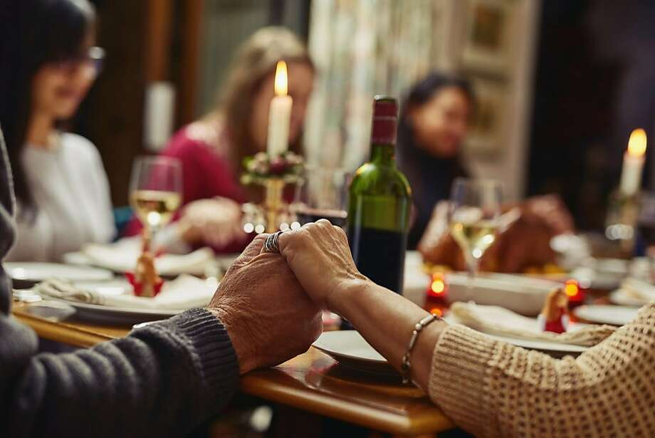 An organization calls for people to say a special prayer for peace on Thanksgiving. Photo: PeopleImages, Getty Images