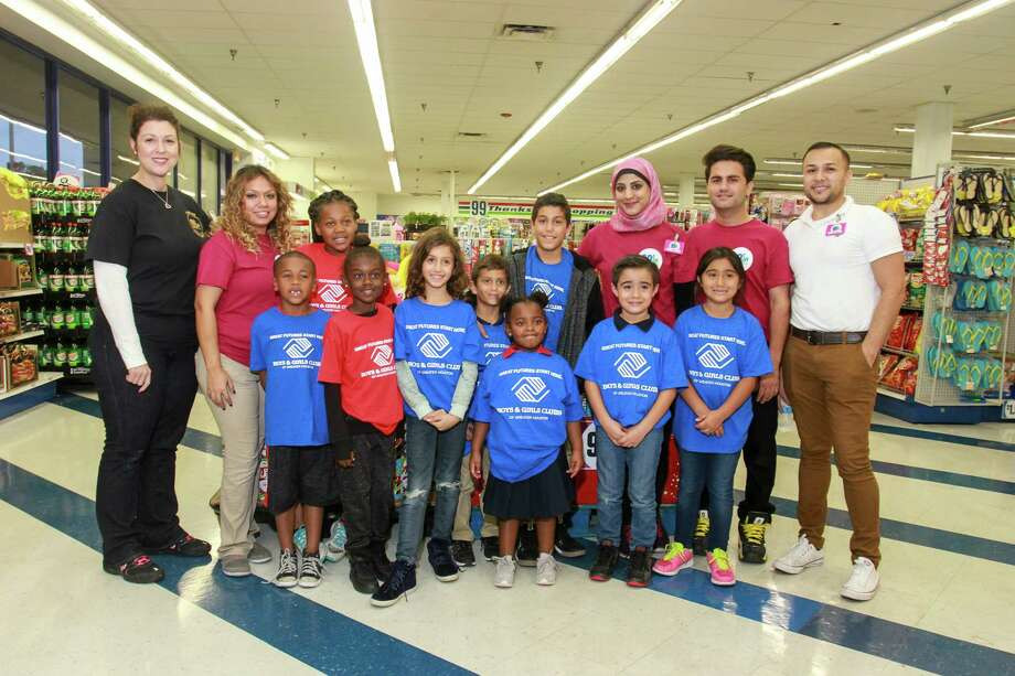 99 Cent Only Store Allows Children To Collect Food To Donate To Food
