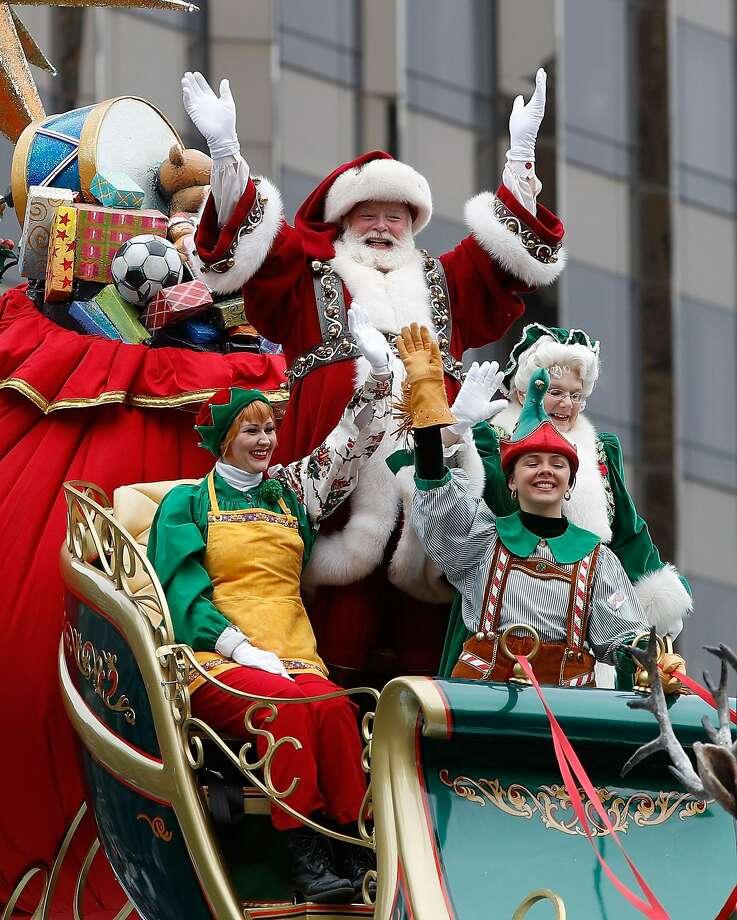 NEW YORK, NY - NOVEMBER 24:  Santa Claus rides in Macy's Thanksgiving Day Parade on November 24, 2016 in New York City.  (Photo by Taylor Hill/FilmMagic) Photo: Taylor Hill, FilmMagic