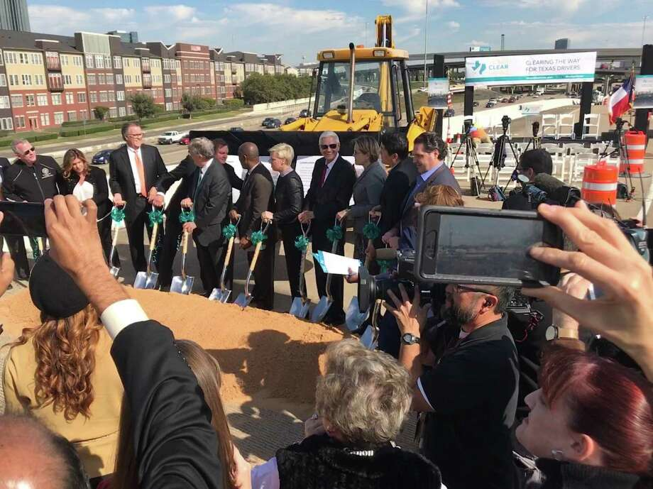 Federal, state and local officials gathered Monday in Houston to kick off reconstruction of the Loop 610 interchange with Interstate 69 near Uptown. Photo: Dug Begley / 610interchange