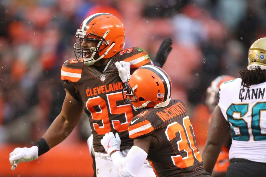 32. Cleveland Browns (0-10)Previous: 31The Brown's season is a bust, but No. 1 overall pick Myles Garrett is a keeper. Photo: Gregory Shamus/Getty Images