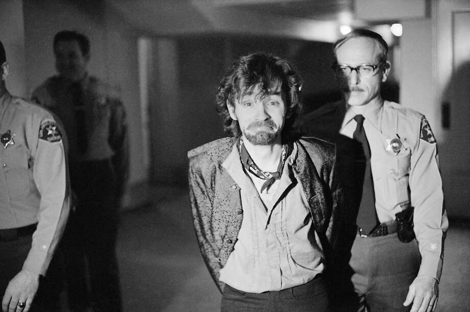 Charles Manson in a Los Angeles courthouse on Dec. 21, 1970. Photo: George Brich, Associated Press