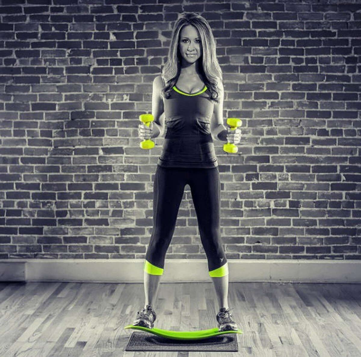 SIMPLY FIT WORKOUT BALANCE BOARD:A unique balance board that has pivoting action which helps engage & tone entire body. AMAZON LINK