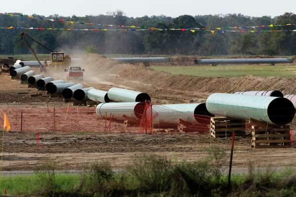 Trump administration officials are looking for ways to speed pipeline construction as they see a potential shortage of capacity to keep up with increasing U.S. oil and gas production. Environmental concerns and state objections frequently cause delays or derail such projects.