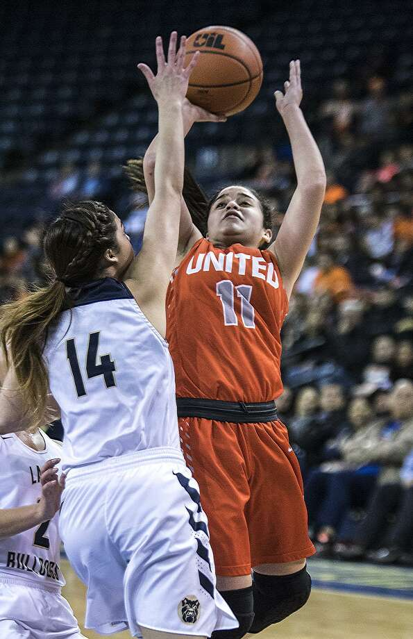 United hosts McAllen Memorial at 12:30 p.m. Tuesday while Alexander travels for a 3:30 p.m. matchup at Cibolo Steele. Photo: Danny Zaraogza /Laredo Morning Times File