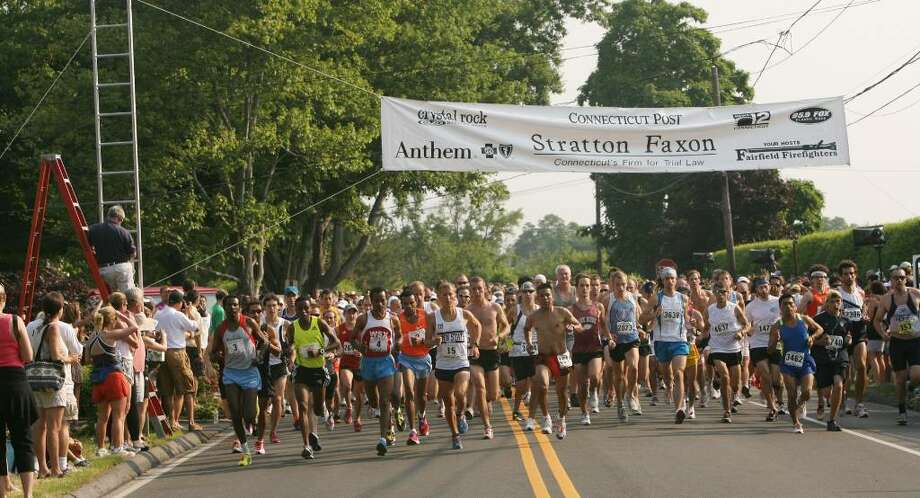 Runners begin the 29th annual Stratton Faxon Fairfield half marathon on Sunday morning, June 27, 2010. Photo: B.K. Angeletti / Connecticut Post