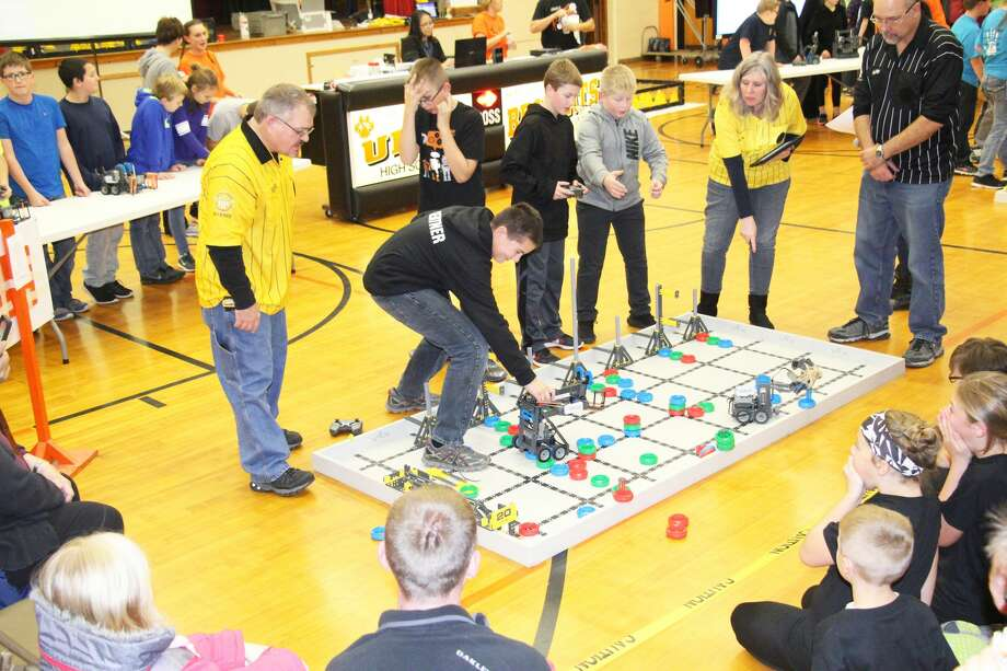 Ubly Community Schools hosted a Vex Robotics Competition Friday evening. Competing at the event were 20 teams from around the area, comprised of fifth and sixth grade students. Photo: Seth Stapleton/Huron Daily Tribune