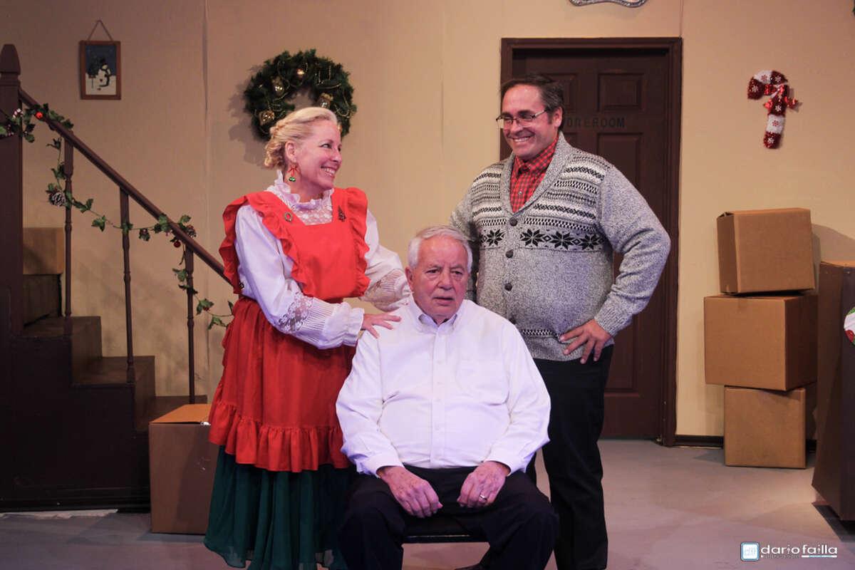 Kim (Nikki V. Thompson) (I red apron), J.D. Morse (Bruce Blifford) and Nick (Jeffery Merriman)