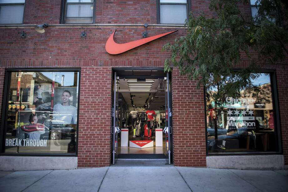 A Nike store in Chicago on Sept. 24, 2017. Photo: Bloomberg Photo By Christopher Dilts. / © 2017 Bloomberg Finance LP