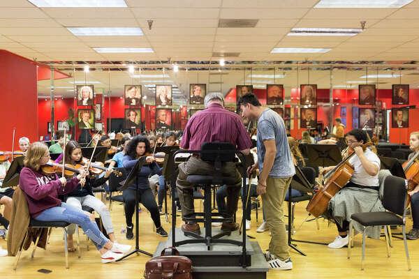 Virtuosi of Houston nurtures young musicians