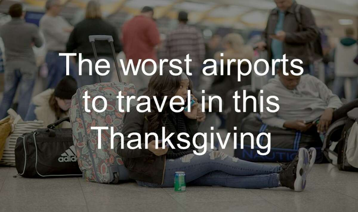 See the worst airports to travel in for the 2017 Thanksgiving season up ahead.