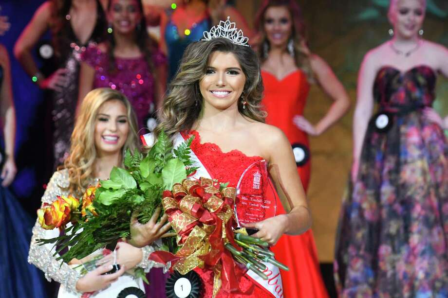 2018 Miss Tomball Kasey Vann, right,  taking her walk after being crowned queen at the Miss Tomball Pageant on Nov. 18. Photo: Tony Gaines/ HCN, Houston Chronicle