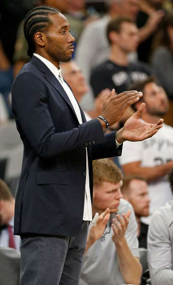 Kawhi Leonard's 2017-18 season debut appears to be growing imminent. The Spurs forward's rehabilitation program is down to its final phases. Photo: Edward A. Ornelas /Express-News