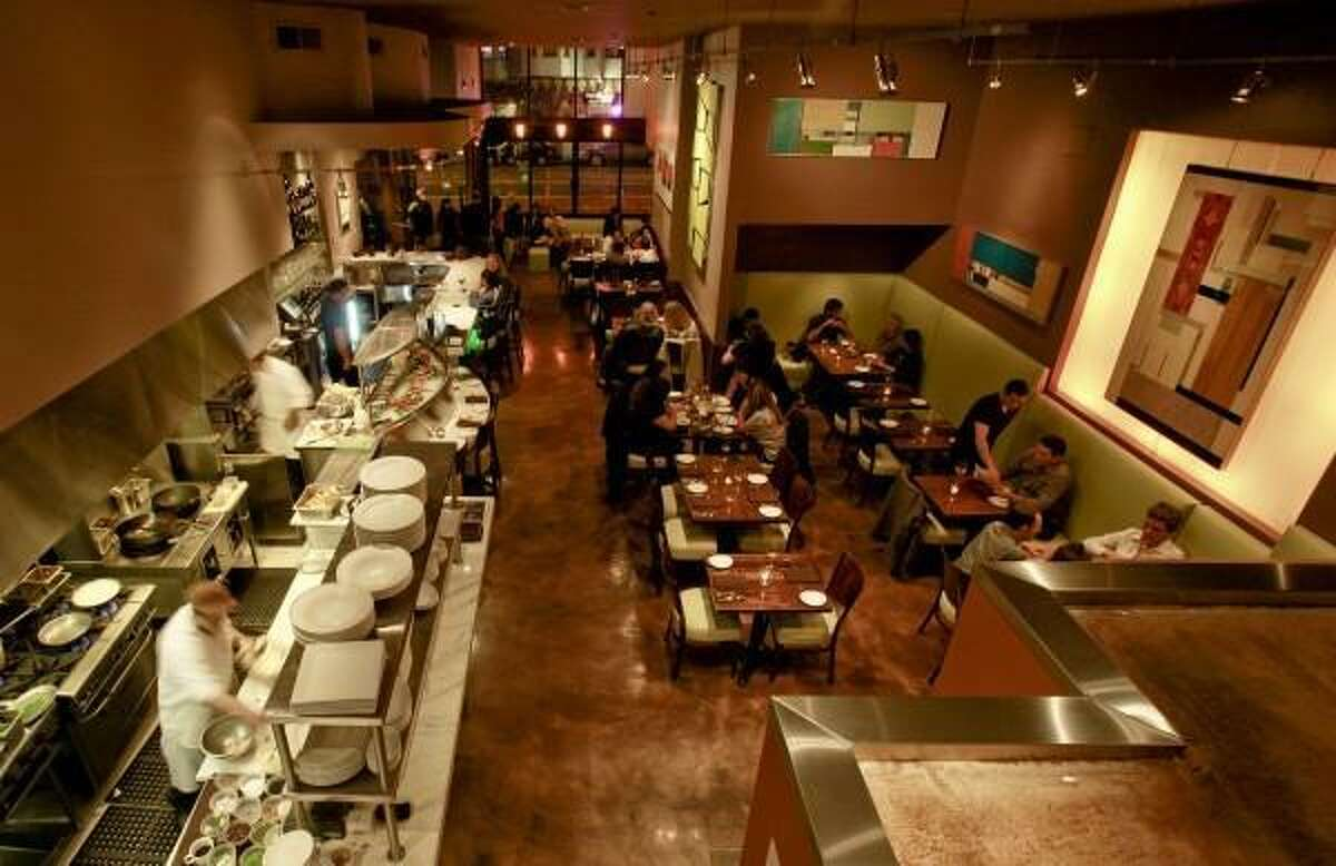 Limon reopened its Valencia Street location in San Francisco after being damaged by fire in 2008.