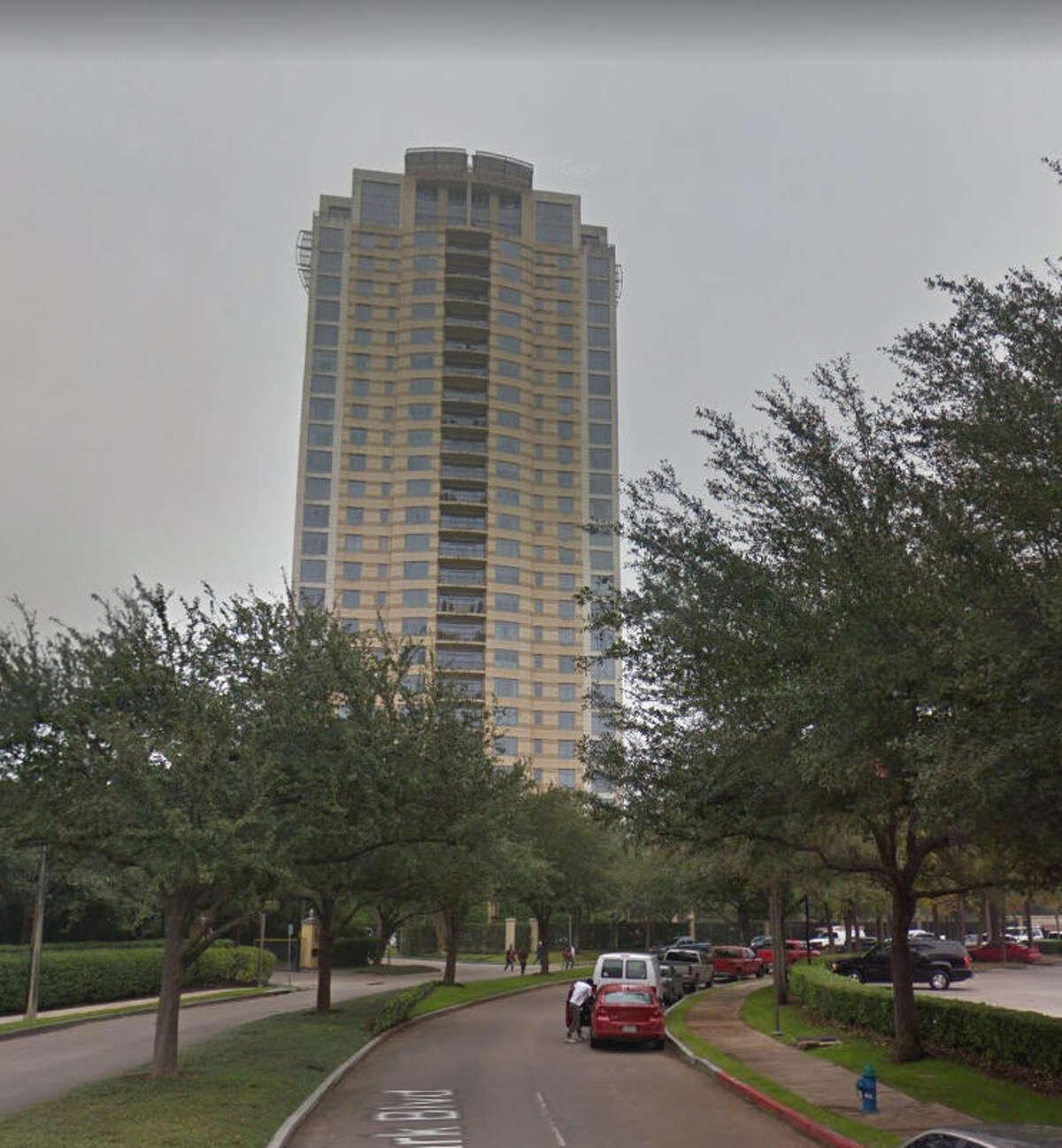17. Villa d'Este Height: 308 feet Address: 1000 Uptown Park Boulevard