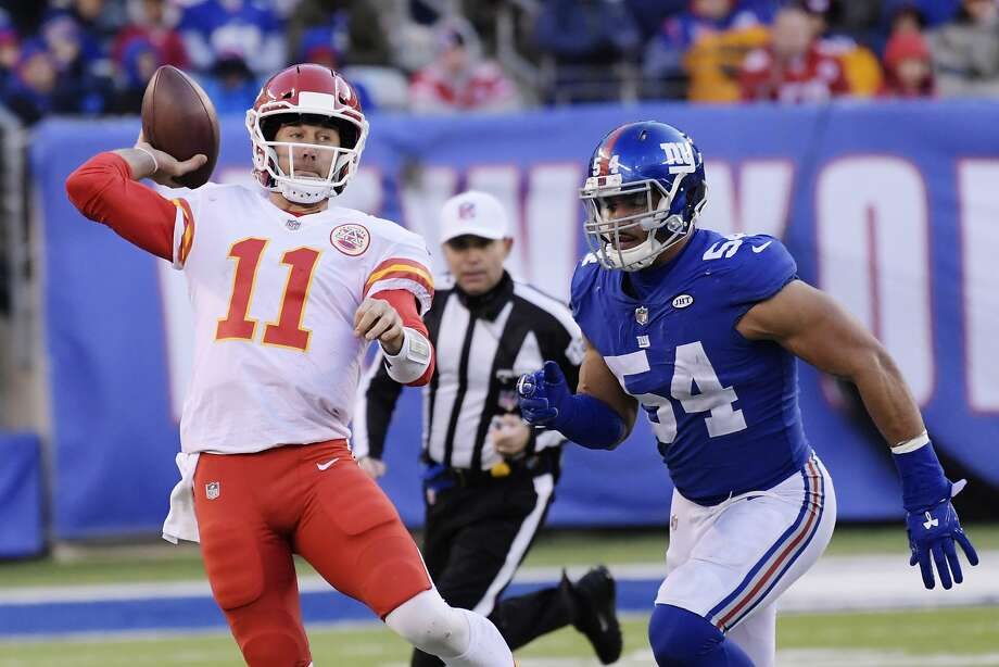 Quarterback Alex Smith and the Kansas City offense failed to reach the end zone in a loss to the Giants on Sunday. Smith and some of his teammates are becoming fantasy duds. Photo: Bill Kostroun, Associated Press
