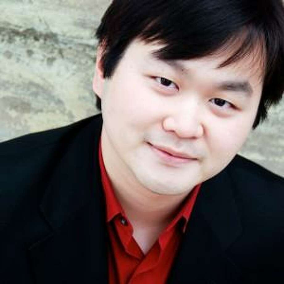 """""""Daniel S. Lee and Friends,"""" a chamber ensemble of acclaimed musicians will present a program of music from the Baroque and Romantic eras, including works by Bach, Corelli and Vivaldi, will perform for the popular """"Music for a Joyous Season"""" concert at the Collinsville Congregational Church, 7 South St., on Sunday, Dec. 10, at 4 p.m. Photo: Contributed Photo/Not For Resale"""