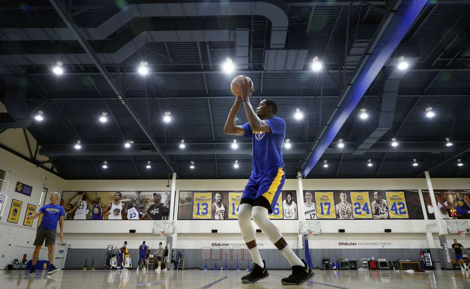 Kevin Durant (ankle) rejoins Warriors' lineup for Thunder tilt