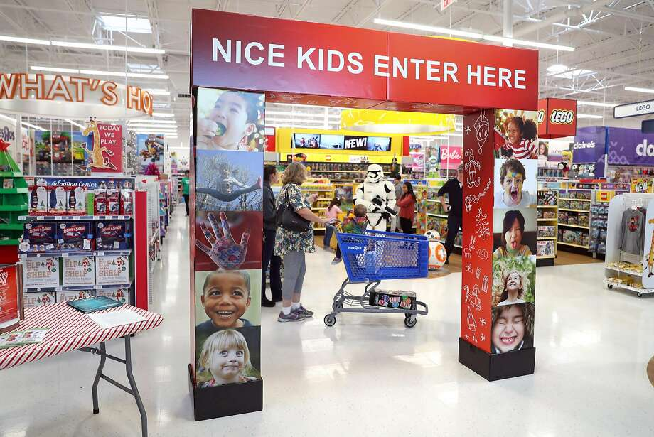 """Toys """"R"""" Us is considering closing at least 100 U.S. stores in the face of weak holiday sales, according to multiple sources. Photo: Scott Strazzante, The Chronicle"""