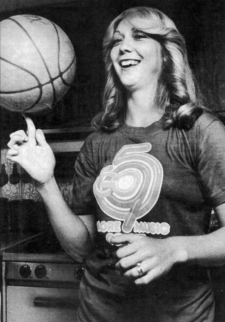 Bolin was a top scorer for the women's pro league, the San Francisco Pioneers.