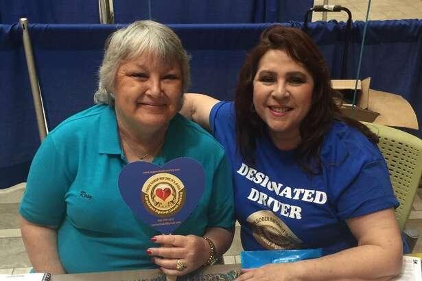 Rosy Gregory y Elizabeth Alonzo Villarreal visitaron Laredo Community College a principios de año para concientizar sobre las consecuencias de conducir bajo los efectos del alcohol.