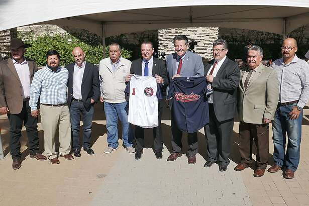 City of Laredo and Nuevo Laredo officials joined forces along with the owners of the Liga Mexicana de Béisbol team Tecolotes Dos Laredos to announce that the team will split its regular-season slate between the sister cities in 2018. The announcement was made at a press conference at El Portal Tuesday.