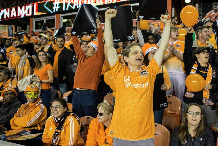 Houston Dynamo fans cheer during the first half of the MLS Western Conference Finals at BBVA Compass Stadium on Tuesday, Nov. 21, 2017, in Houston. Photo: Brett Coomer, Houston Chronicle / © 2017 Houston Chronicle
