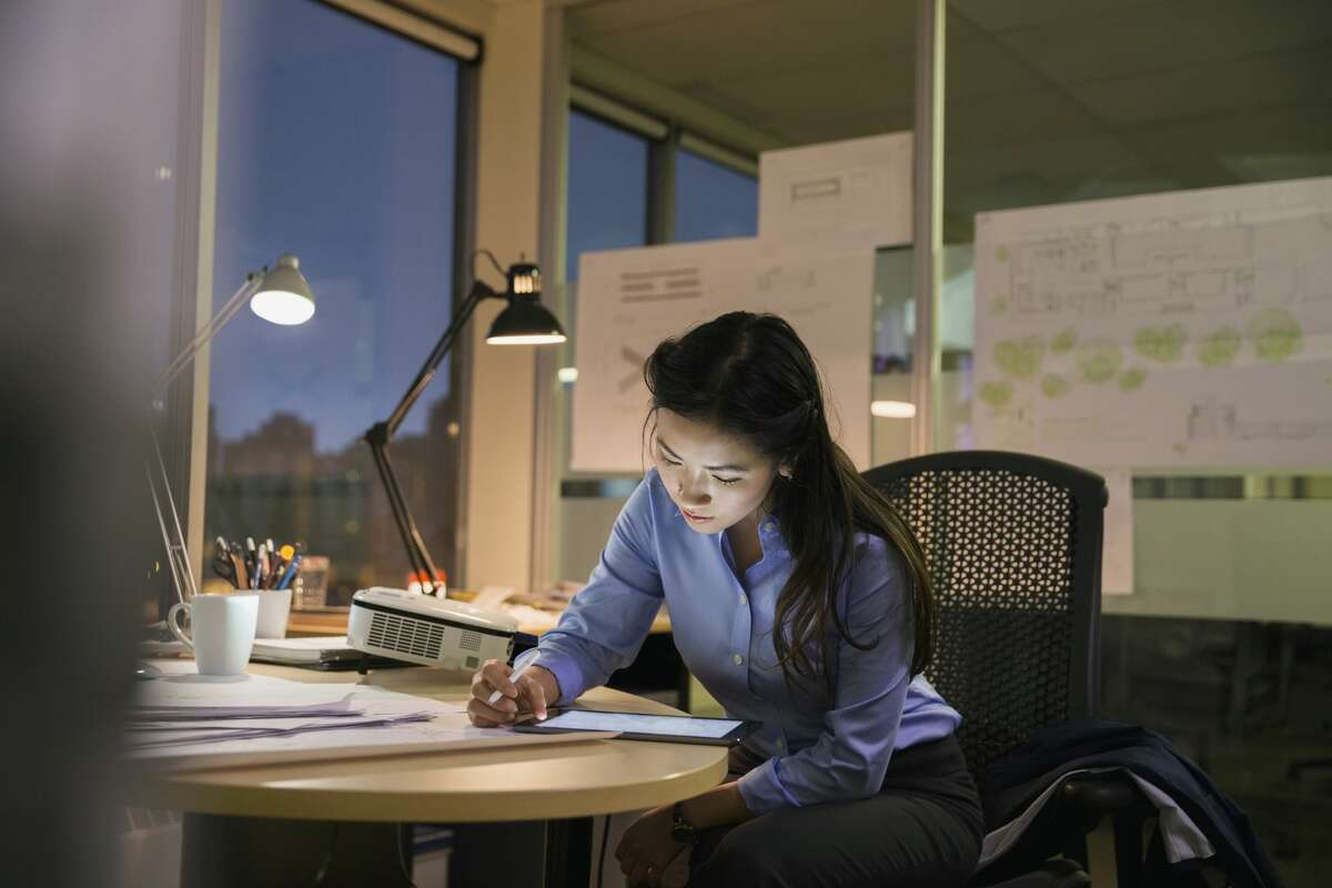 People are working nights, early mornings and weekends. (and 4 more signs people are overworked) Pay attention to when your employees arrive at and leave from work. Sometimes, security systems can provide this information. If you see an increase in hours, it may be time to examine your employees' workload.