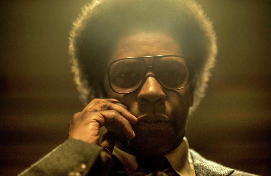 """Denzel Washington stars a savant lawyer in """"Roman J. Israel, Esq."""" Photo: Glen Wilson, HONS / © 2017 CTMG, Inc. All Rights Reserved. **ALL IMAGES ARE PROPERTY OF SONY PICTURES ENTERTAINMENT INC. FOR PROMOTIONAL USE ONLY. S"""