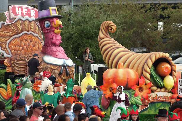 Alyson Stoner, star of Disney Channel's Camp Rock movie, sings to the crowd during the 61st annual H-E-B Holiday parade held in downtown Houston on Thanksgiving morning.  (photo by Patric Schneider)