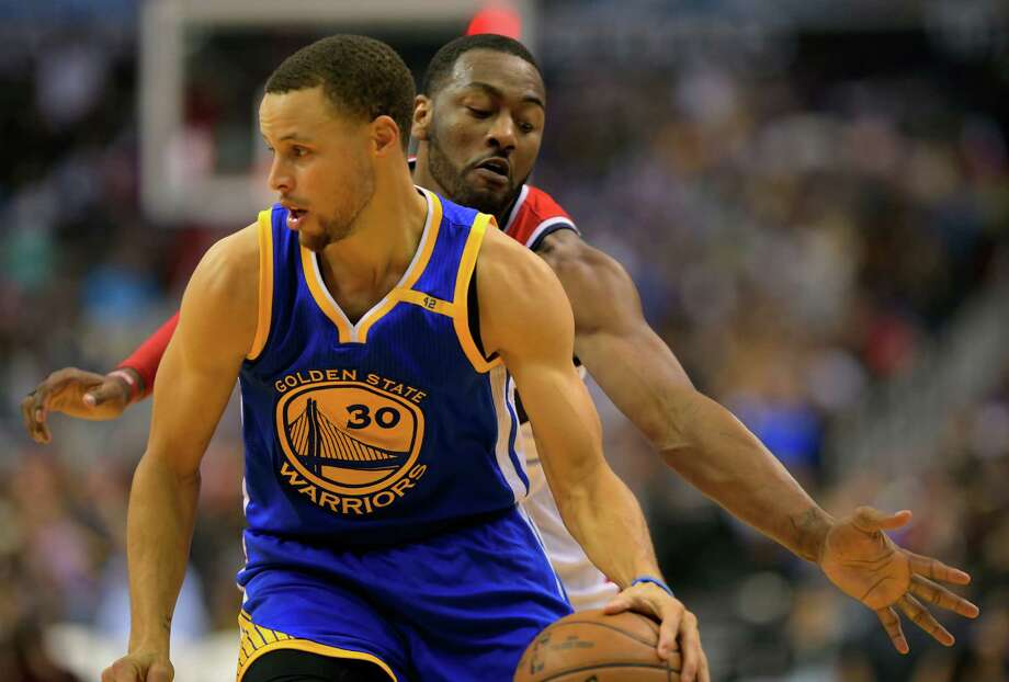 Kevin Durant (ankle) questionable tomorrow; Golden State Warriors reunite with legends