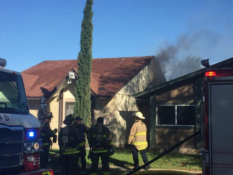 More than a dozen crews are responding to a fire on San Antonio's West Side on Wednesday, Nov. 22, 2017. Photo: Fares Sabawi