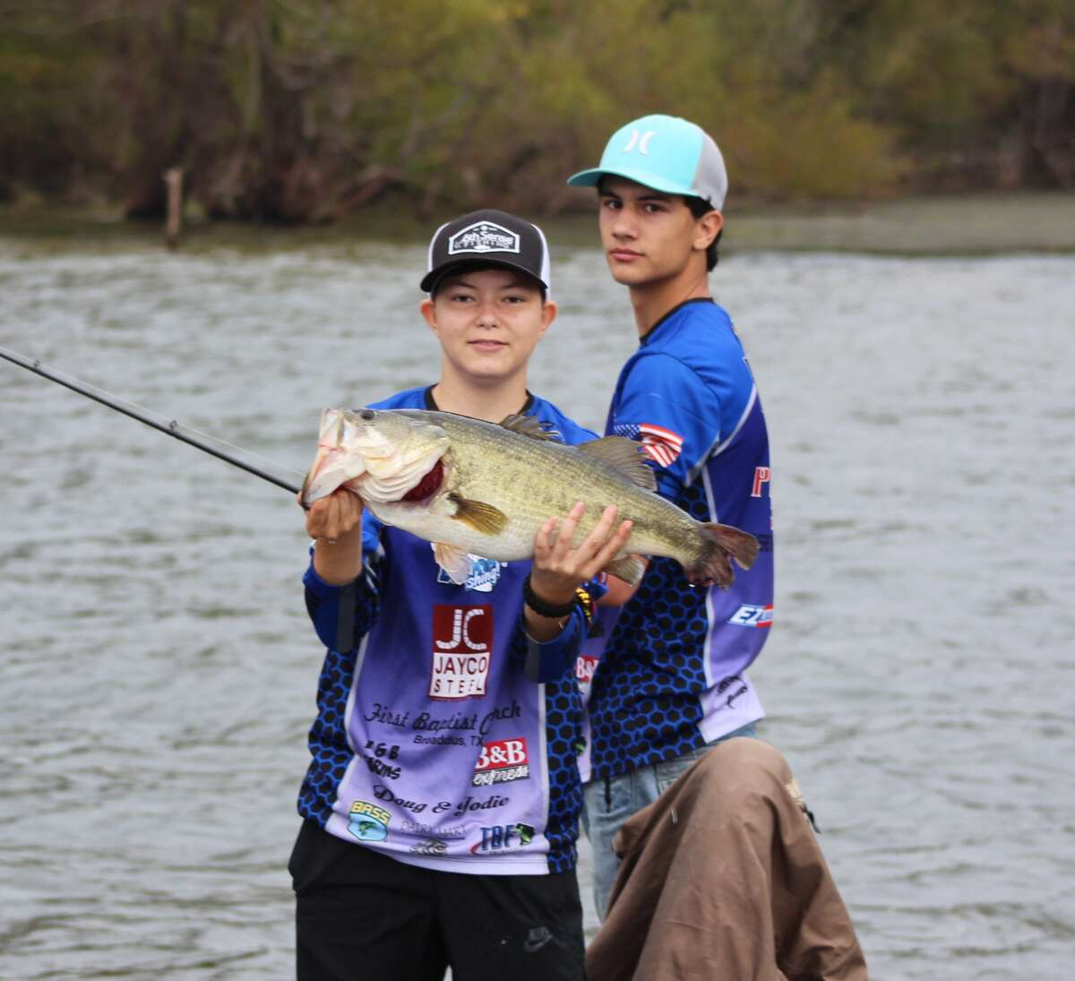 DETX opened the 2017 high school fishing season with Broaddus High School taking the top honors.