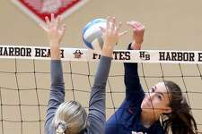 RYLEE ZIMMER (PLAYER OF THE YEAR)     Team: USA Pos: Middle Hitter/Setter Class: Jr. No. 4