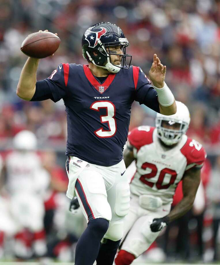 Texans quarterback Tom Savage threw two touchdown passes against the Cardinals. Photo: \052011000683\, Staff / © 2017 Houston Chronicle