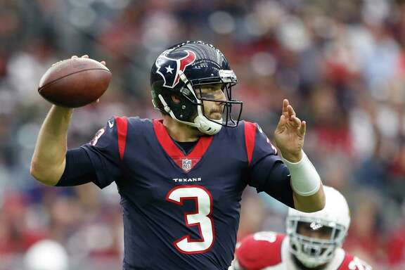 Texans quarterback Tom Savage threw two touchdown passes against the Cardinals.