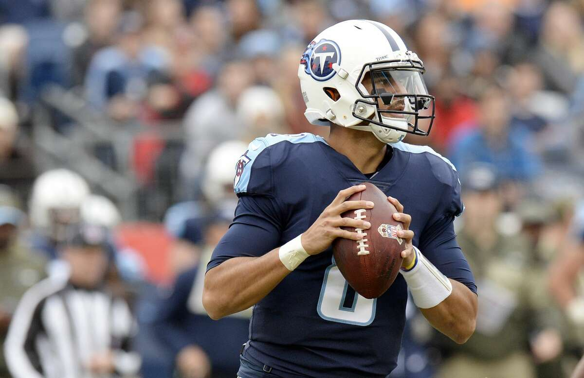 Tennessee minus-3 at Indianapolis Titans 20-13