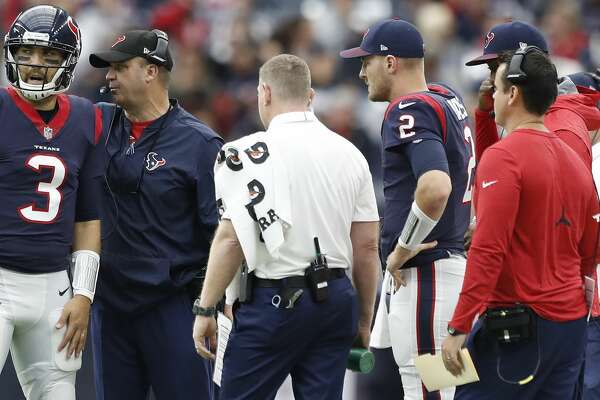 Houston Texans quarterback Tom Savage (3) talks with head coach Bill O'Brien during a time out in the second quarter of an NFL football game at NRG Stadium,  Sunday, Nov. 19, 2017, in Houston.   ( Karen Warren / Houston Chronicle )