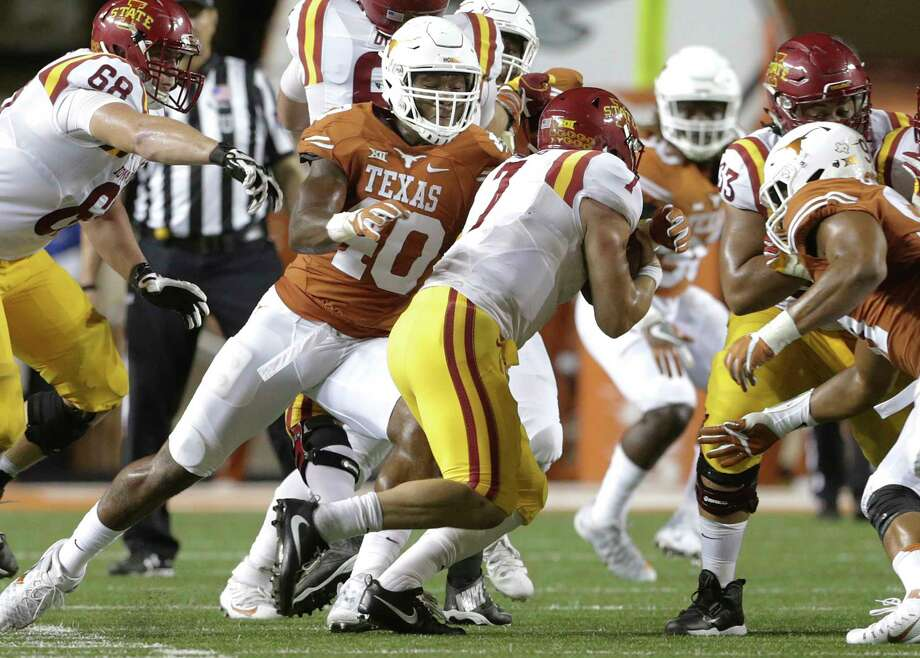 Senior linebacker Naashon Hughes (40) was a part of the last Longhorns team to end the season with a winning record and one that has a chance to do so this year. Photo: TOM REEL, STAFF / 2016 SAN ANTONIO EXPRESS-NEWS