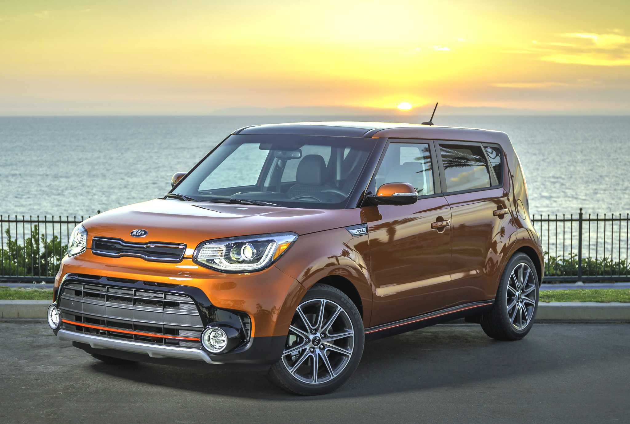 Kia Soul: Funky subcompact crossover now offered with sporty turbo engine
