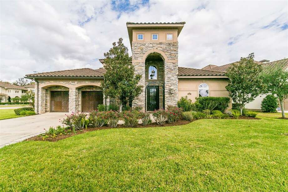 The home at 5607 Waters Landing Lane in Richmond is under foreclosure. Photo: Houston Association Of Realtors