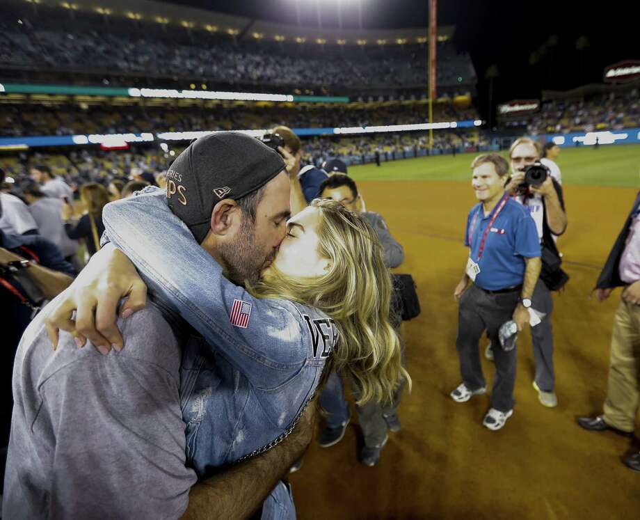 Houston Astros win helped boost Fox affiliate KABB in prime time ratings. Here, starting pitcher Justin Verlander (35) kisses Kate Upton after winning Game 7 of the World Series. Photo: Karen Warren /Houston Chronicle / © 2017 Houston Chronicle