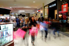 The Midland Park Mall was crowded with Black Friday shoppers, Nov. 24, 2017. James Durbin/Reporter-Telegram