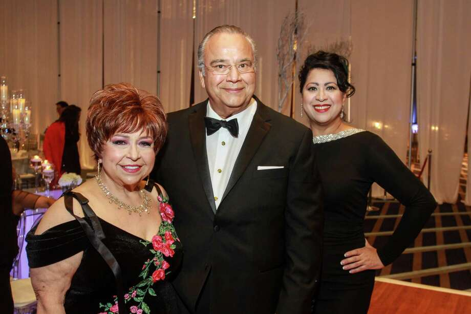 Trini Mendenhall, from left, Michael Solar and Dr. Laura Murillo Photo: Gary Fountain, For The Chronicle / Copyright 2017 Gary Fountain