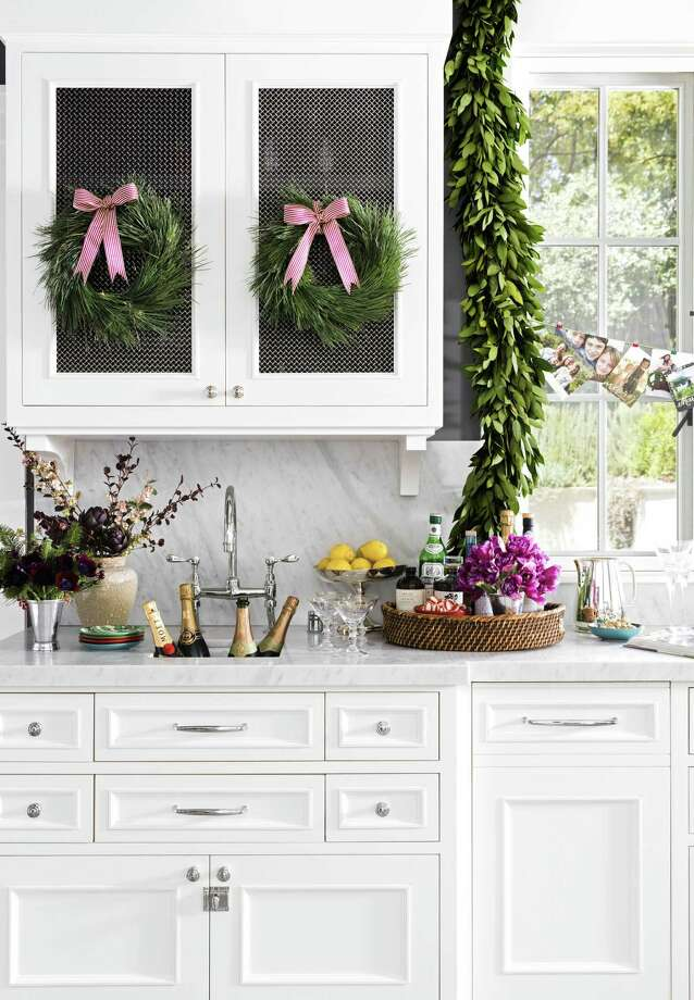 California kitchen decorated for the holidays. Photo: Erin Kunkel / Contributed Photo / © Erin Kunkel