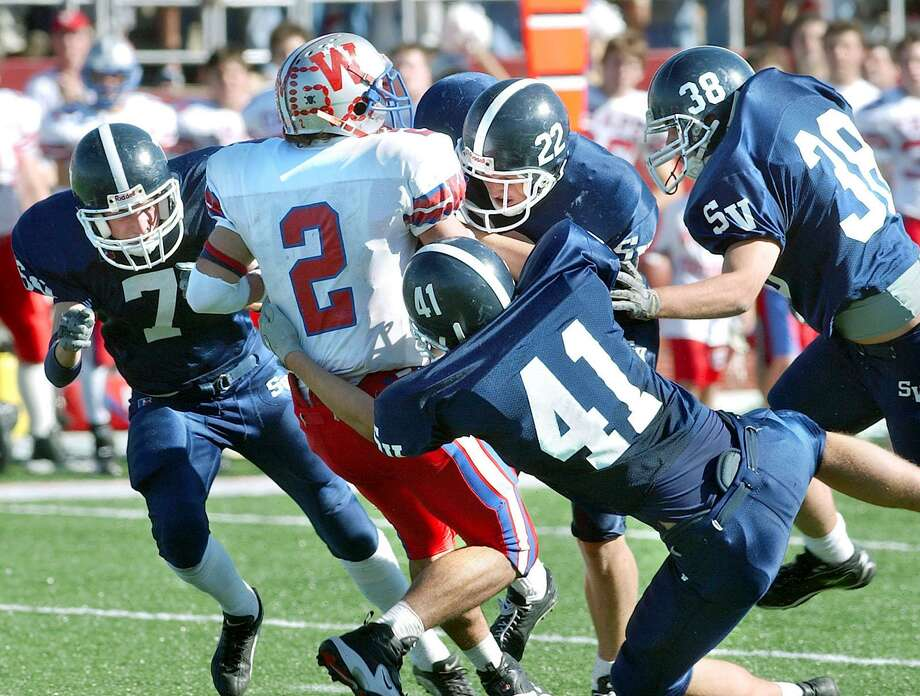 Smithson Valley is 2-1 against Austin Westlake, with one of those victories coming in 2002 in the only other playoff game between the two. They meet again at 1 p.m. today at Alamo Stadium. Photo: TOM REEL /SAN ANTONIO EXPRESS-NEWS / SAN ANTONIO EXPRESS-NEWS