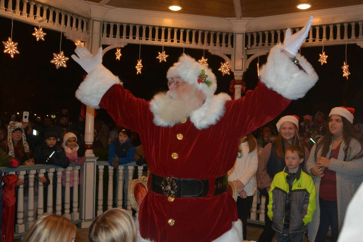 Milford will hold its annual tree lighting on the green as well as its 4th Annual Winter Wonderland Festival on Friday. Find out more.