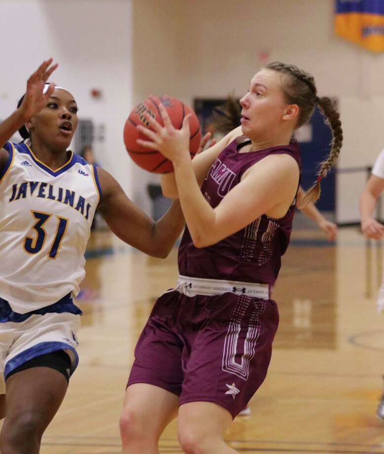 TAMIU forward Julia Hanni had nine points and six rebounds in an 89-63 loss to No. 5 West Texas A&M to begin the Lady Buffs' Thanksgiving tournament in Canyon. Photo: Clara Sandoval / Laredo Morning Times File