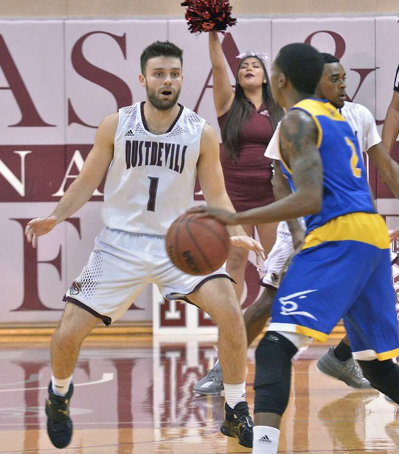 TAMIU guard Danny Spinuzza had seven points and seven rebounds in the Dustdevils' 71-51 loss at Western New Mexico Monday night. Photo: Cuate Santos /Laredo Morning Times File / Laredo Morning Times