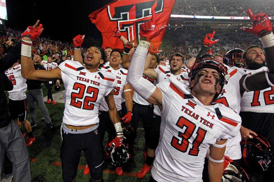Texas Tech's Justus Parker (31), whose interception late in the fourth set up the winning touchdown, celebrates. Photo: Michael Thomas, FRE / FR65778 AP